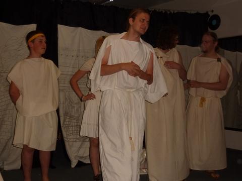 Die Römer spinnen, Tanzraum
